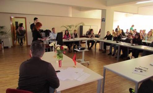 """Seminari """"Censurat dhe vazhdimësitë: Perspektivat e Modernes dhe Postmodernes në Evropën Qendrore e Juglindore"""""""